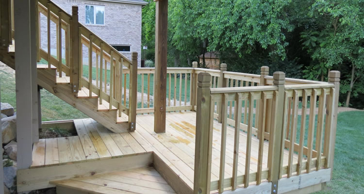 Custom Deck Builder Dayton, Springfield and Centerville OH