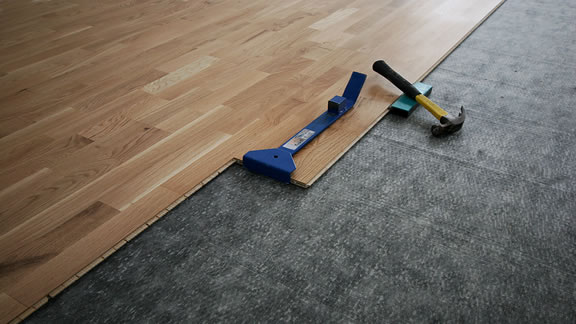 Laminate Flooring Contractor in Dayton, Ohio.